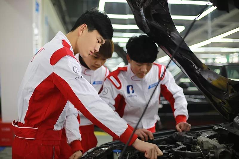 汽车修理好学吗