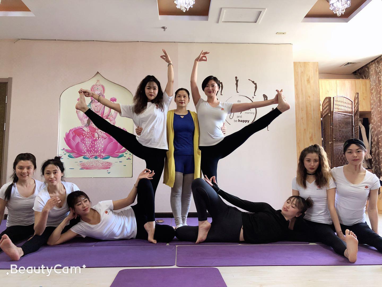 在沈阳做瑜伽教练月工资多少钱