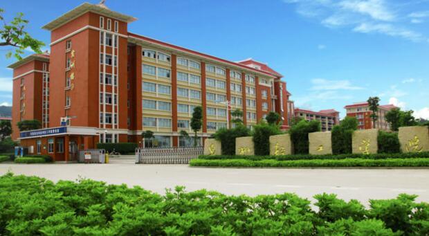 2020年南昌广播中专学校报什么专业的人多?