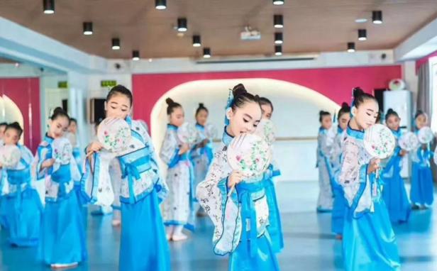 济南纤然文化传媒有限公司