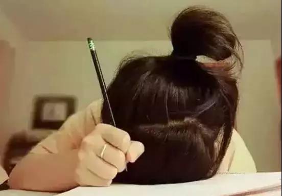 """家庭教育:不要总问孩子""""作业写完了吗?""""换个方式会更好!"""